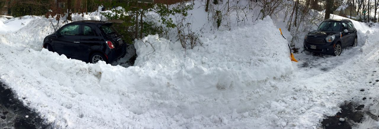 http://zhurnaly.com/images/Blizzard_dig-out_2016-01-26.jpg
