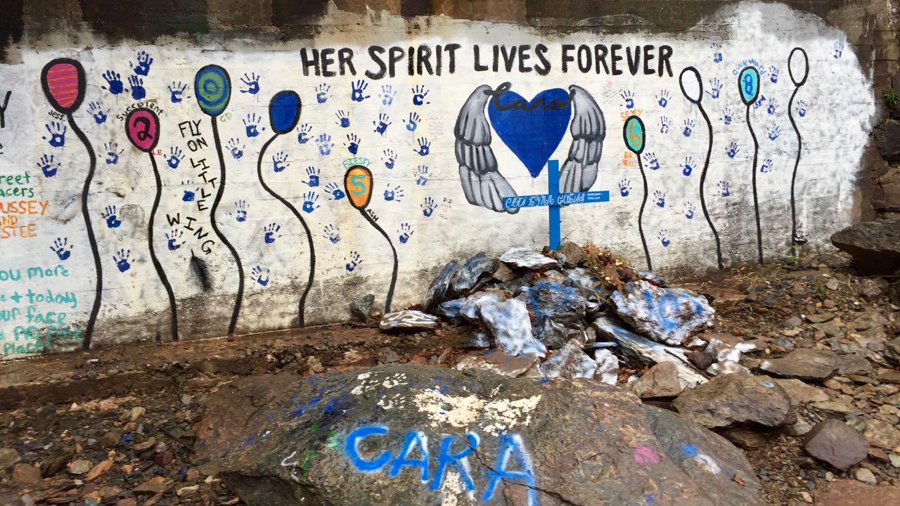 http://zhurnaly.com/images/Cara_Golias_graffiti_memorial_2016.jpg