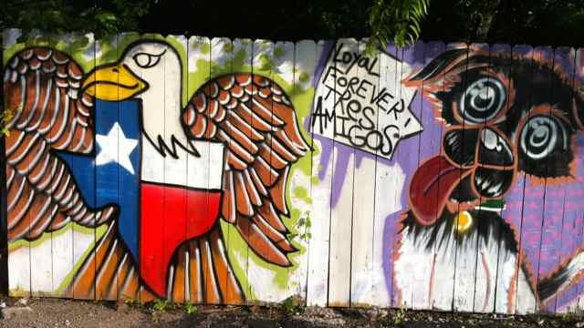 http://zhurnaly.com/images/Tres_Amigos_graffiti_1.jpg
