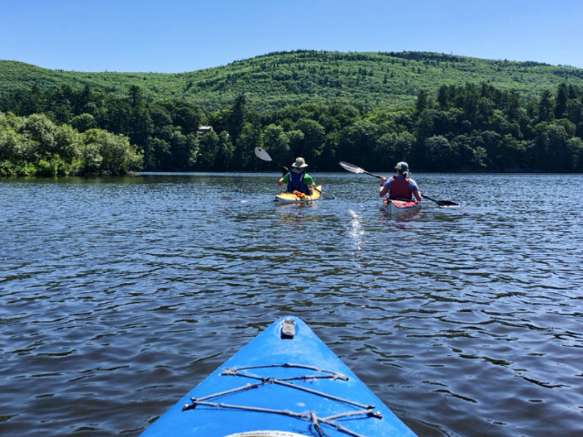 http://zhurnaly.com/images/Vermont_Brattleboro_kayaking_Mary_Ewell_Andy_Woodcock_z_2018-07-19.jpg