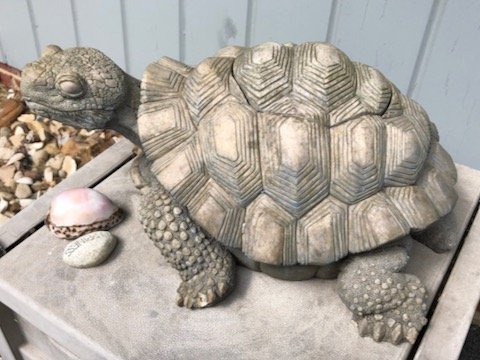 http://zhurnaly.com/images/run/Happiness_turtle_sculpture_2020-06-14.jpg