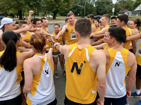 http://zhurnaly.com/images/run/Metric-Marathon_Go-Navy-Beat_Army_2019-10-06.jpg