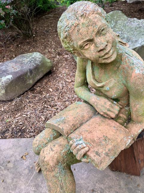 http://zhurnaly.com/images/run/reader_girl_book_statue_Silver-Spring_2020-05-25.jpg
