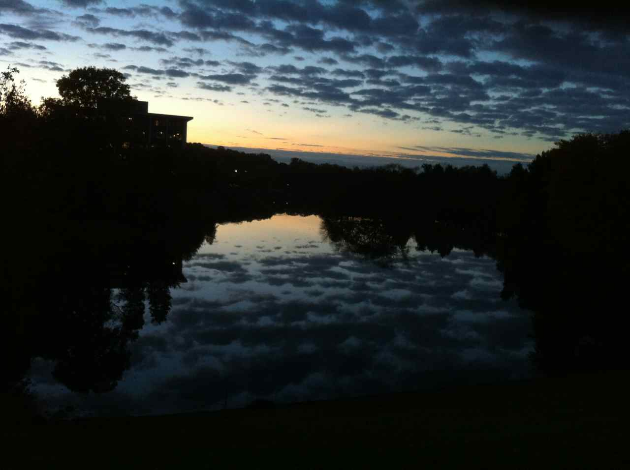 http://zhurnaly.com/images/running/Dawn_Clouds_Lake_Placid_Gaithersburg.jpg
