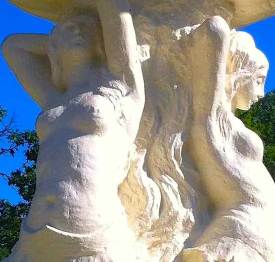 http://zhurnaly.com/images/running/Seminary_Mermaid_Fountain_2013-06-29b.jpg