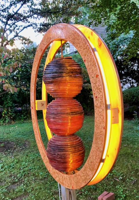 http://zhurnaly.com/images/walk/lawn-art-sculpture-wood-spheres-ring_bethesda_2020-10-03.jpg
